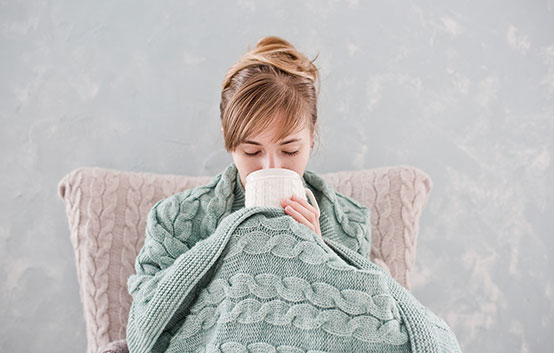 Cold Bundled Woman Blanket